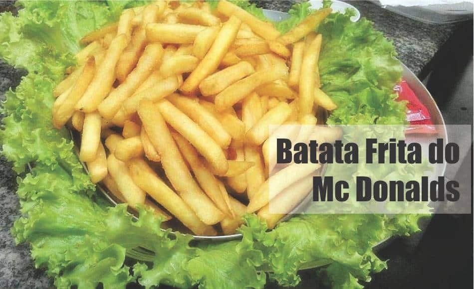 Batata frita sequinha, igual do MC Donalds servida em bandeja decorada com alface