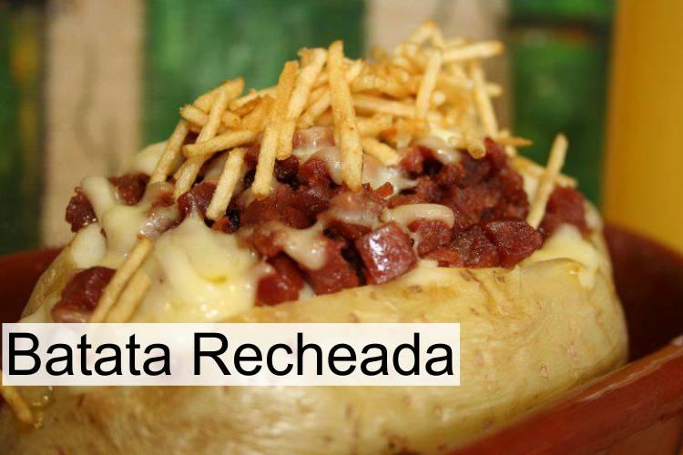Batata Recheada requeijão e bacon