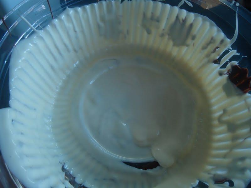 Bolo Bombom com Laço de Chocolate