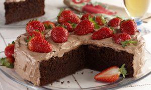 torta_de_chocolate_e_morango-403782-51408f3a5b9ce