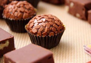 brigadeiro-chocolate-recheado