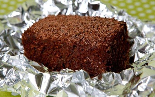 Bolo-molhadinho-e-gelado-de-chocolate