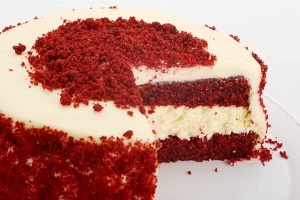 pastel_red_velvet_cheesecake_partido