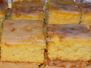 bolo de laranja com calda de fondant