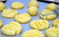 biscoitinhos de queijo parmesão