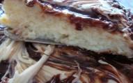 bolo de coco com chocolate