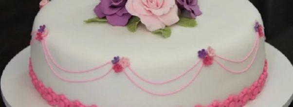 como fazer pasta americana para decorar bolos