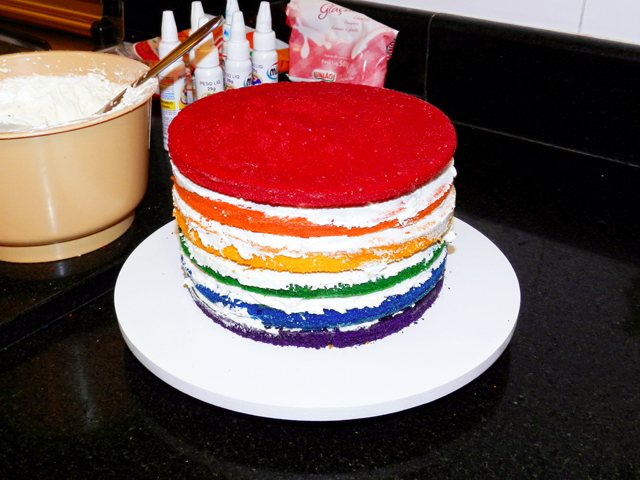 gostei-e-agora-como-fazer-o-rainbow-cake-bolo-arco-iris-05