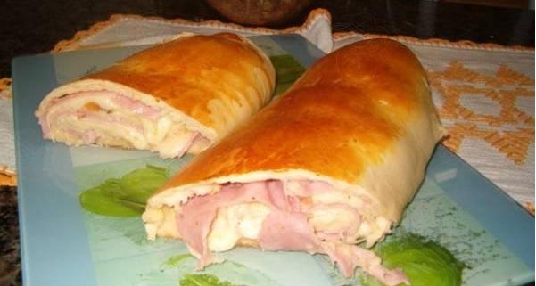 pão enrolado recheado