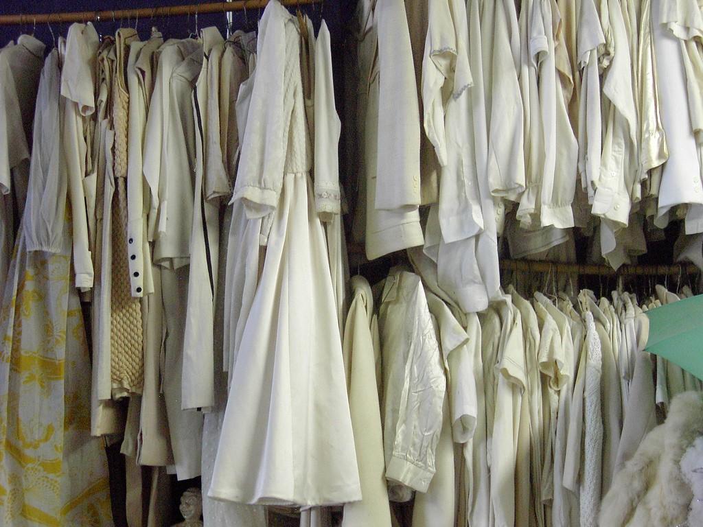 roupas amareladas
