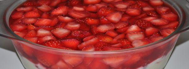 creme-com-morangos-e-gelatina2