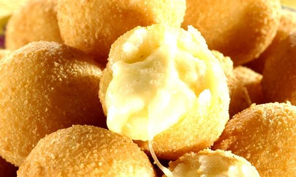 bolinha-de-queijo-sem-massa3