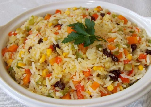arroz-a-grega-com-passas