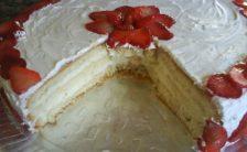bolo-de-creme-com-morangos-1