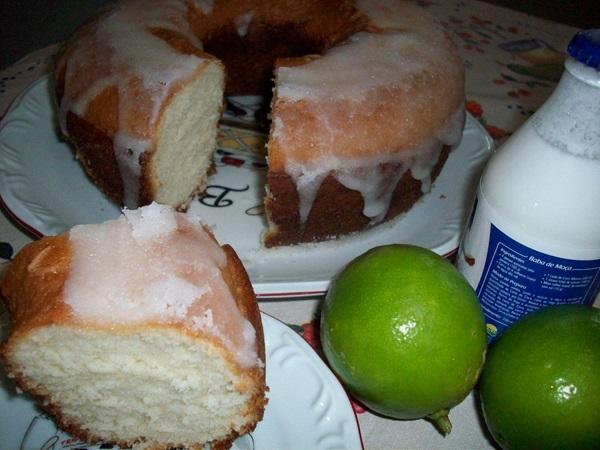 bolo-de-leite-de-coco-de-liquidificador-1