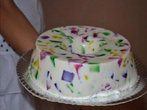 sobremesa de natal: gelatina mosaico com leite de coco