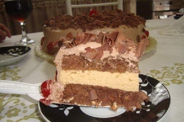 bolo mousse de maracuja com chocolate