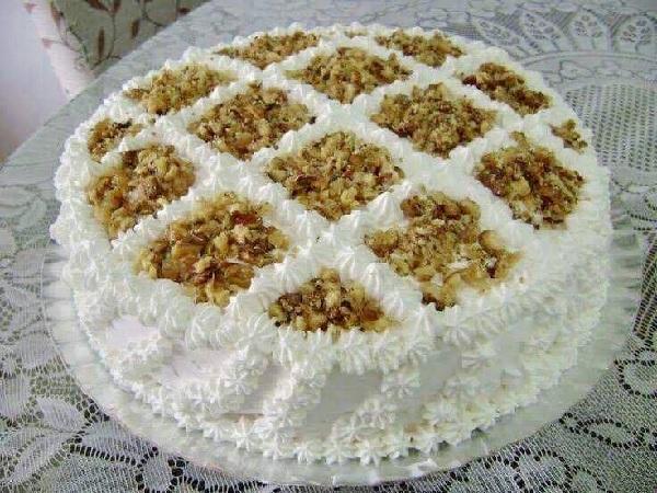 bolo mousse de nozes, depois de pronto