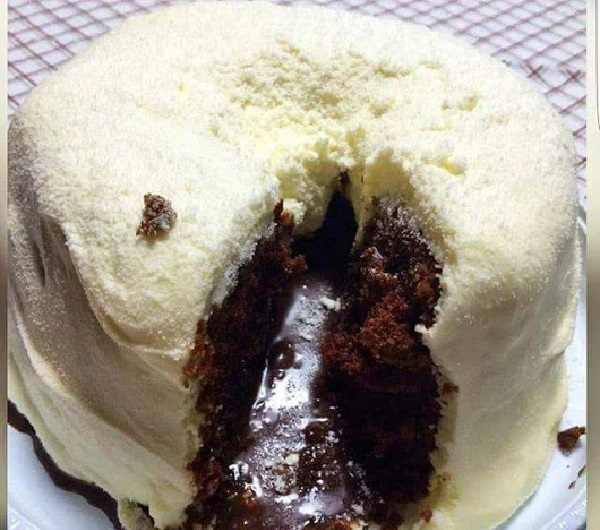 bolo vulcao de oreo com cobertura de leite ninho2