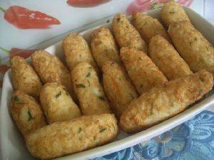 bolinho de arroz com queijo