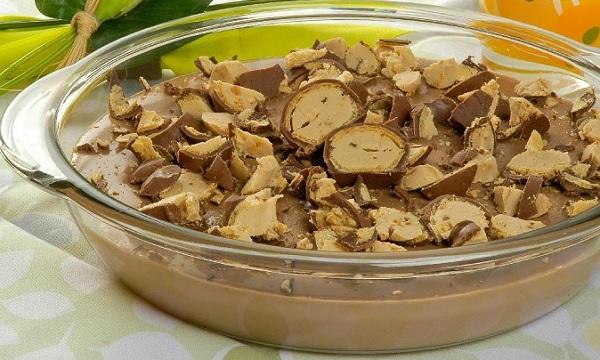 sobremesa-de-chocolate-com-bombons