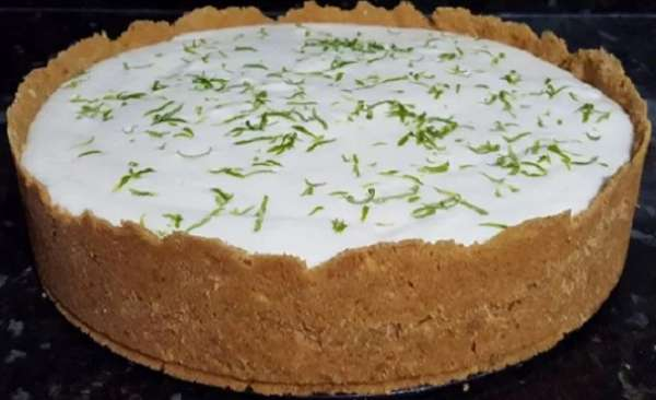 Torta mousse de limão é uma deliciosa sobremesa para o dia das mães