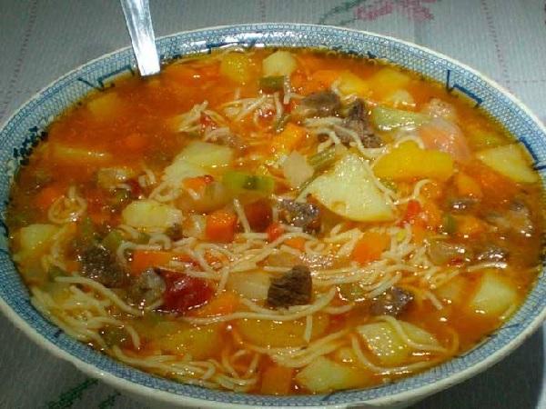 Sopa de Carne da Vovó