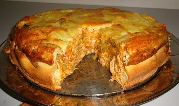 Torta de Frango com Mussarela