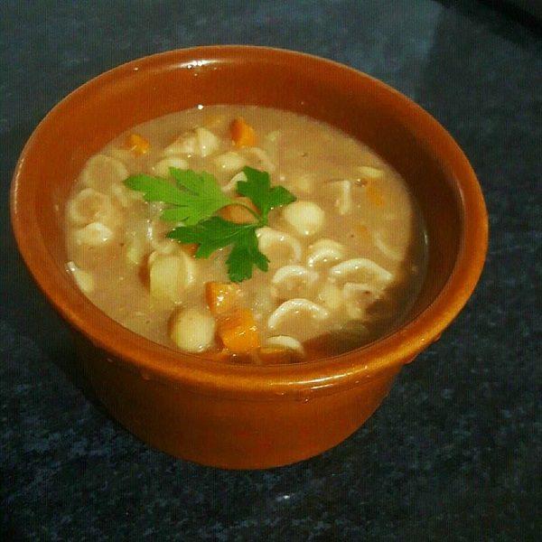 Sopa de Feijão com Macarrão