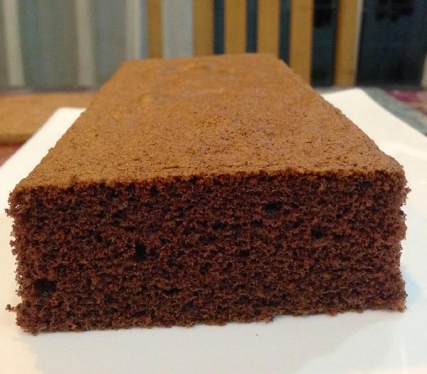 Pão de ló de chocolate para bolos artísticos