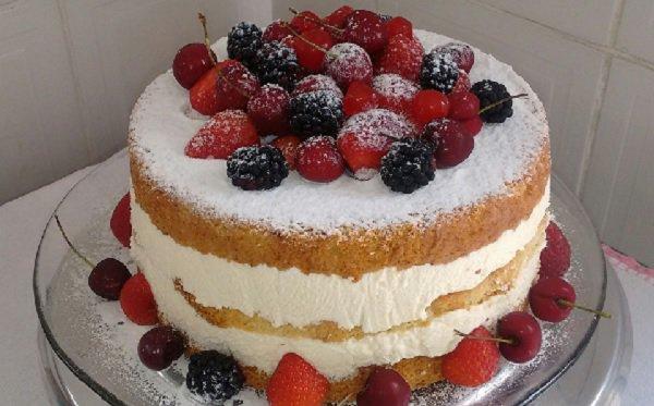 Bolo de aniversário Naked Cake
