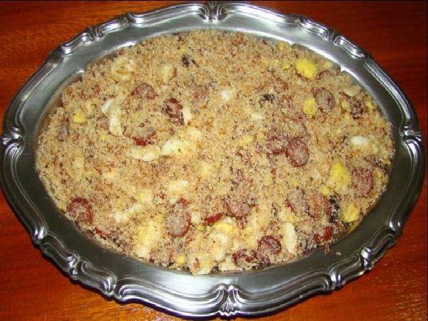 Farofa de Linguiça com Bacon