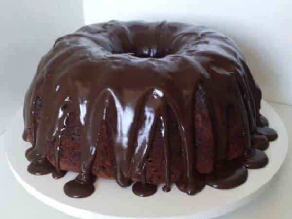 Bolo de Chocolate com Cobertura Extra