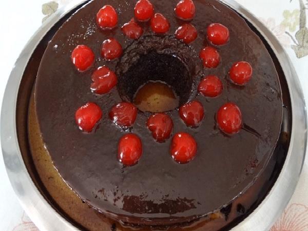Bolo de Chocolate com Pudim de Chocolate