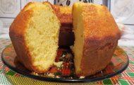 bolo de laranja fofinho com calda simples