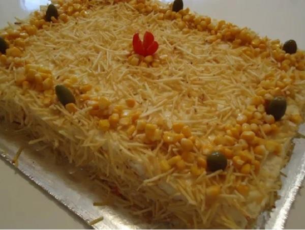 bolo salgado com purê de batata, prontinho.