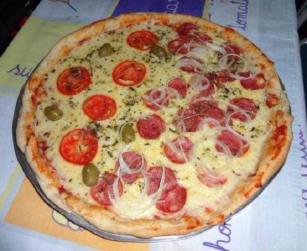 Massa de Pizza Fácil e Econômica