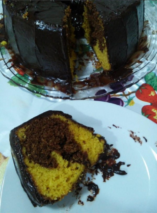 Bolo de Cenoura com Chocolate de Liquidificador