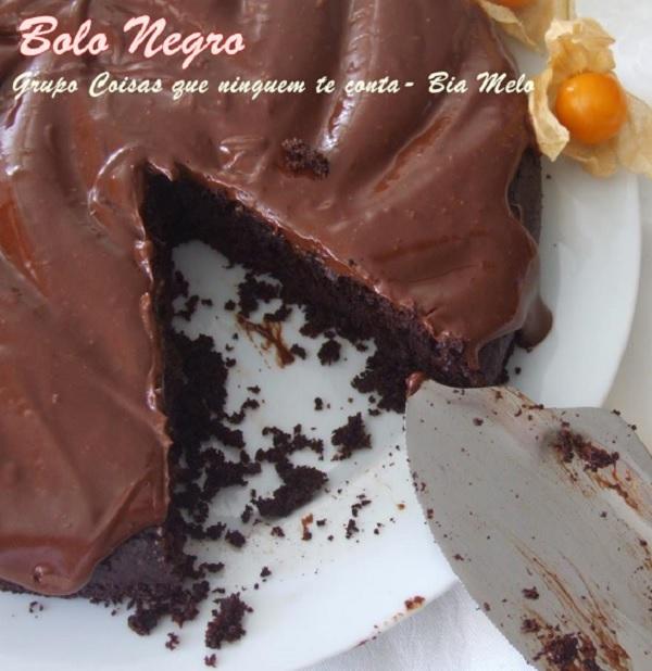 bolo de chocolate com massa negra