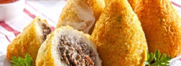 coxinha de batata com recheio de carne moída