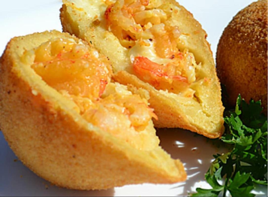 coxinha gourmet de camarão com requeijão cremoso