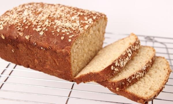 pão de aveia fit com 6 ingredientes