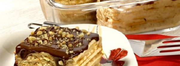 torta de nata com cobertura de chocolate - a sobremesa perfeita para o Natal