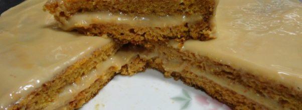bolo de cenoura com cobertura de leite condensado