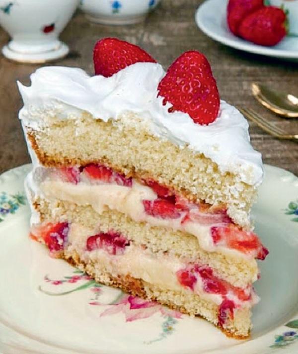 recheio para bolo de aniversário de nata com morangos