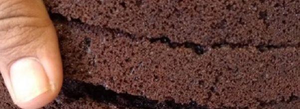 bolo pão de ló de chocolate para aniversário