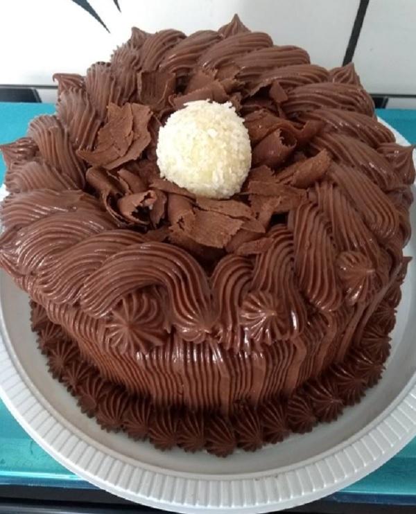 cobertura de chocolate para bolo de aniversário