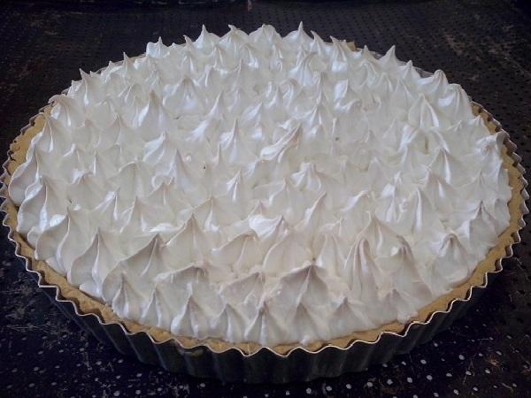 torta de limão com cobertura de marshmallow