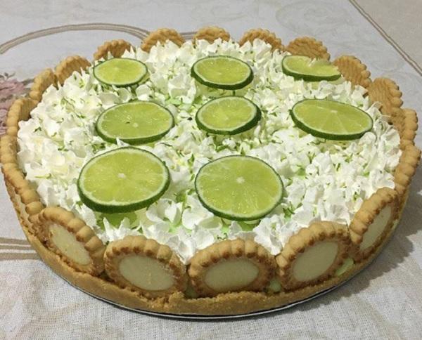 torta mousse de limão com biscoito maisena