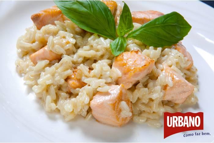 Risoto de Salmão feito com arroz urbano